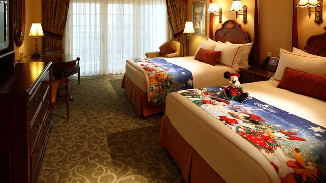 hkdl-hotel-hong-kong-disneyland-hotel-christmas-overlay-01