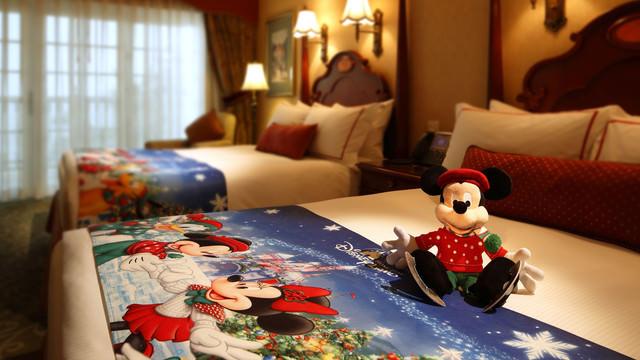 hkdl-hotel-hong-kong-disneyland-hotel-christmas-overlay-03