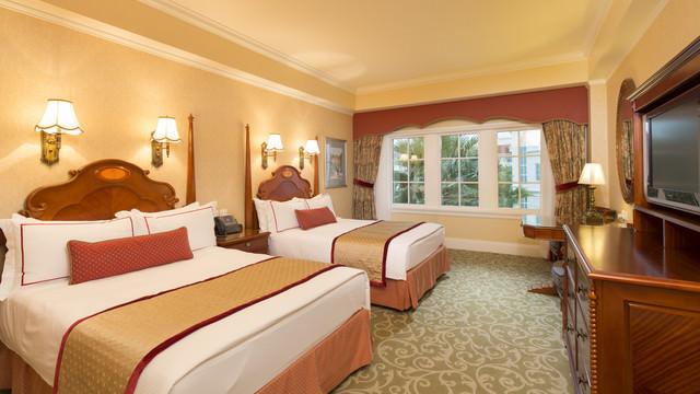 hkdl-hotel-hong-kong-disneyland-hotel-standard-room