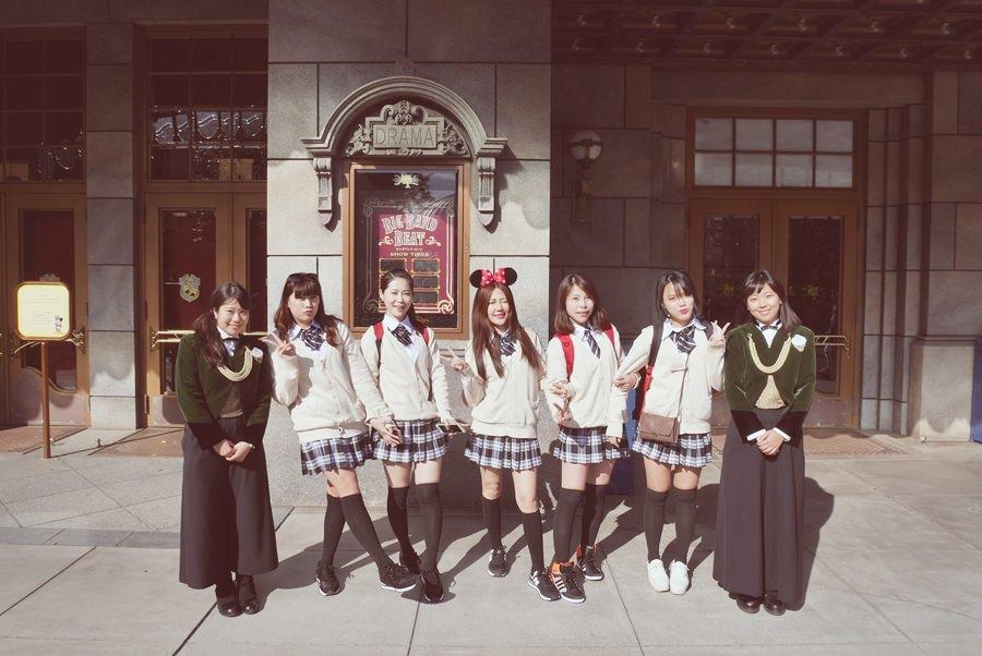 【東京迪士尼】一起姐妹裝吧!穿高中制服去迪士尼!為旅行留下美好又特別有趣的回憶~