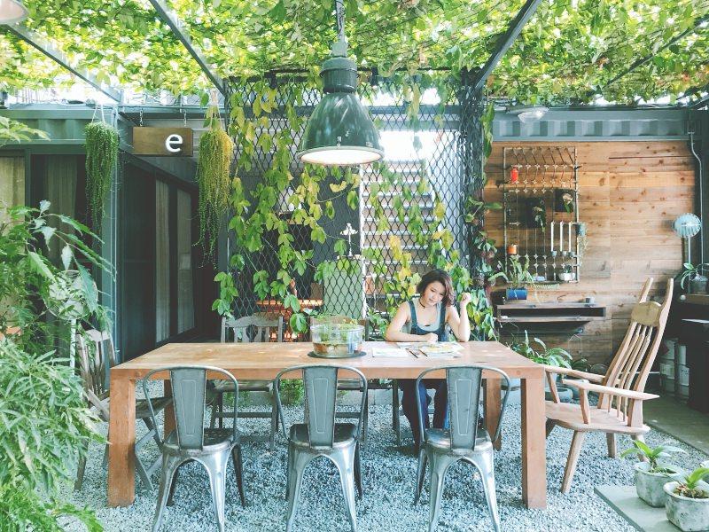 北海岸三芝 – 超美的秘境咖啡廳!papa在三芝