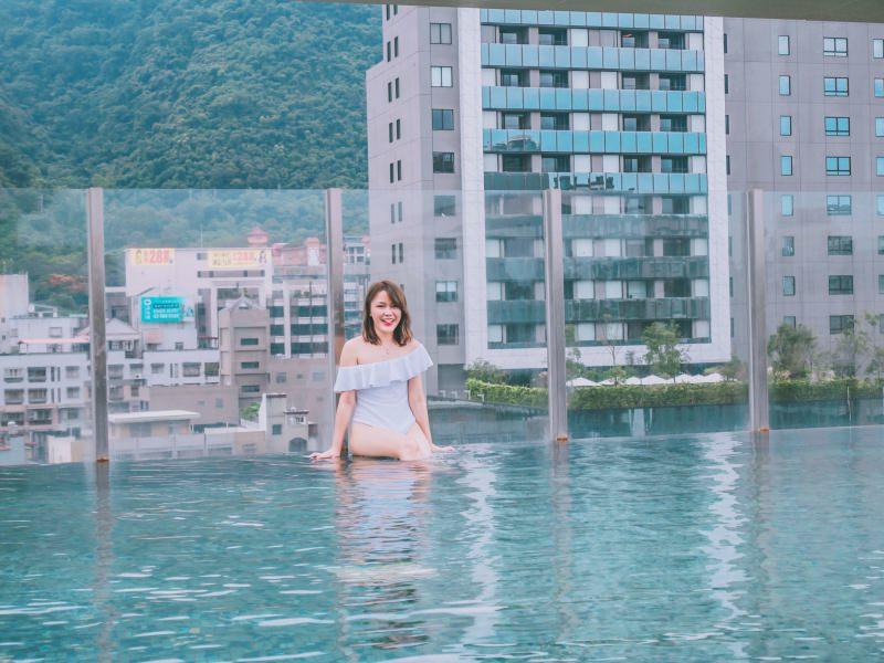 宜蘭礁溪。晶泉丰旅沁夏。繽紛 – 擦上繽紛的指甲油後再去「無邊際泳池」吧!