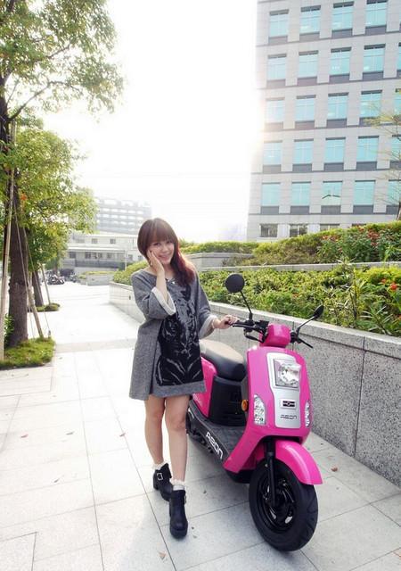 【機車】我的心機亮麗小桃紅♥宏佳騰CO-IN 125